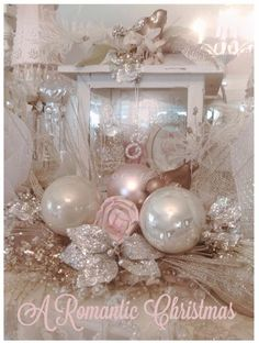 Here are the best Shabby Chic Christmas Decor ideas that'll give your room a romatic touch. From Pink Christmas Tree to Shabby Chic Christmas Ornaments etc Shabby Chic Christmas Ornaments, Rose Gold Christmas Decorations, Pink Christmas Tree, Silver Christmas, Christmas Settings, Victorian Christmas, Xmas Decorations, Beautiful Christmas, Vintage Christmas