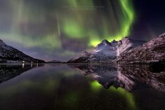 The reflection of the aurora borealis by Integraphotonature.net  on 500px