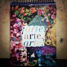 Tapa personalizada de mi art journal con un collage de recortes de revistas. // My customized art journal cover with a collage made from magazine clippings. By Rocío Bermúdez