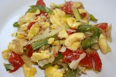 The full recipe for making this, the national dish of Jamaica - Ackee and Salt fish can be found at caribbeanpot.com/the-ultimate-ackee-and-saltfish-recipe/ with step by step instructions and pictures to guide you along the way.     Great food!