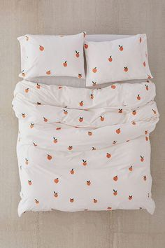 Shop Peaches Duvet Cover at Urban Outfitters today. We carry all the latest styles, colors and brands for you to choose from right here. Bed Sets, Duvet Sets, Queen Bed Dimensions, Peach Bedding, Girl Bedding, Duvet Covers Urban Outfitters, Decoration Inspiration, Luxury Bedding Sets, Aesthetic Bedroom