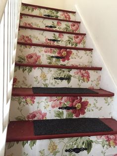 Laura Ashley peony garden decoupaged stairs , handles added to make them look li. - Laura Ashley peony garden decoupaged stairs , handles added to make them look like drawers x - Chabby Chic, Shabby Chic Decor, Decoupage, Red Cottage, Cottage Living, Laura Ashley Home, Peonies Garden, Interior Stairs, Painted Floors