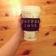 A lovely felt handcraft for your coffee ♡ #thefeltshop #felt #diy #craft #coffee