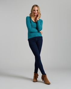 I love this colour! It's a scoop neck which I love, would love a longer length but with the right trousers this could work!