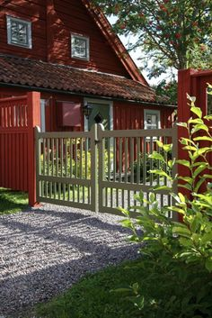 Gate for an older house Swedish Cottage, Red Cottage, Garden Gates And Fencing, Sweden House, Red Houses, Outdoor Living, Outdoor Decor, Outdoor Gardens, Pergola