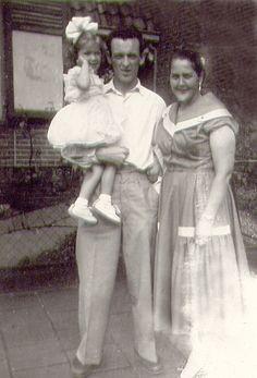 Woldy met Ome Wout (haar vader) en Tante Netta