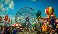 Des manèges au Luna Park de Coney Island - New York, Etats-Unis Paris New York, New York City, Antibes, Latina, Coney Island Baby, Hot Dog Restaurants, North And South, Voyage New York, Vintage Menu