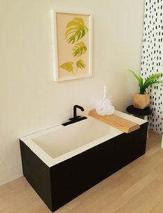 Black and White Bath Tub Caddy and Loofah Dollhouse 1:12