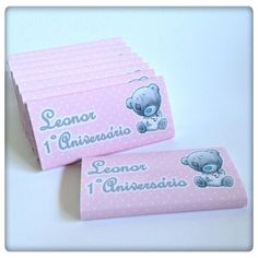 Para oferecer que tal uns chocolates personalizados? Os da Leonor foram de encontro com o resto da coisinhas da sua festa! #kids #party #partykit #teddy #pink #chocolate