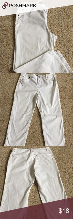 Talbots Heritage White denim capris White denim capris.  Look good rolled up or down.  Has a slight control panel across stomach.  Great condition.  I consider all reasonable offers.  Bundle discount of 15% off 3 or more items.  Thanks for looking. Talbots Jeans Ankle & Cropped
