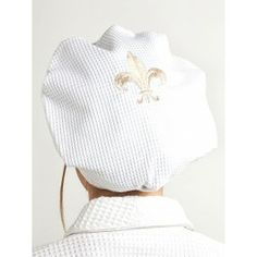 Keep your hair dry in STYLE with our #embroideredshowercaps a #greatgift for girlfriends also available in MONOGRAM!
