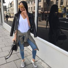 Perfect casual spring outfit by #charlotteemilysanders. Follow stealingstyles for more