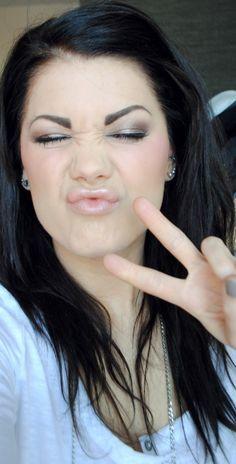 Linda Hallberg is perfection<3 Beautiful woman and great makeup artist.