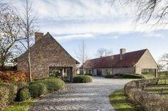 Declerck-Daels Architecten - Projecten Stone Patio Designs, Oak Framed Buildings, Patio Plans, Barn Renovation, Rural House, Dream House Exterior, Stone Houses, House Goals, Exterior Design