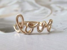 love ring in 14k gold filled por CrystalBlue07 en Etsy, $36.00