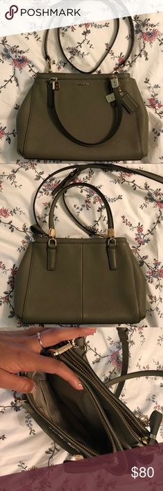 Coach Crossbody Leather Saffiano Leather crossbody with gold metal detailing. Used once Coach Bags Crossbody Bags Small Crossbody Purse, Leather Crossbody, Crossbody Bags, Fashion Tips, Fashion Design, Fashion Trends, Coach Bags, Purses, Metal