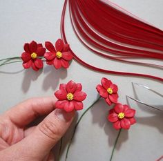 Quilled red cosmos flower - this is my third time trying to quill the cosmos flower and I like how it turned out. I had a good time quilling them 😊 Neli Quilling, Quilling Work, Paper Quilling Flowers, Paper Quilling Patterns, Paper Quilling Jewelry, Quilling Earrings, Quilling Paper Craft, Quilled Roses, Quilling Ideas