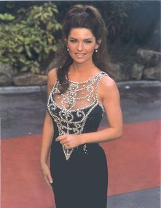 Tommy B uploaded this image to 'World Music Awards See the album on Photobucket. Girl Country Singers, Hot Country Girls, Country Music, Shania Twin, Shania Twain Pictures, Angeles, Thats The Way, Red Carpet Looks, Female Singers