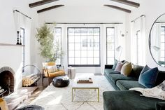 Spanish style homes – Mediterranean Home Decor Cozy Living Rooms, Apartment Living, Home And Living, Living Room Decor, Salons Cosy, Spanish Style Homes, Spanish Revival, Spanish Colonial, Mission Style Homes