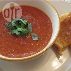 Sopa de tomate assado
