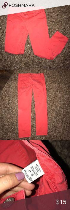 Skinny Jean Capris Capris, coral, tight fitting m American Rag Pants Capris