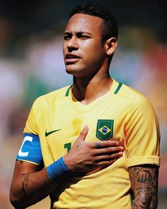 I love Neymar as much as I love my life. Barça is my family. I love Brazil. Brazil Football Team, Neymar Football, Messi Soccer, Best Football Players, Soccer Players, Neymar Jr, Top Soccer, Soccer Sports, Soccer Tips