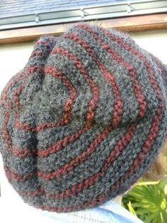 Un bonnet vite fait - Les bricoles du grenier - Knitting 02 Knit Vest Pattern, Knitting Patterns, Crochet Patterns, Hat Tutorial, Bonnet Hat, Knitting Accessories, Hat Making, Loom Knitting, Trench Coats