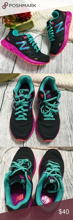 New Balance Wo's Running Shoes Brand New Sz 5.5 New Balance Wo's Running Shoes Brand New Sz 5.5  No box; Pink/teal; Lace-up;  Item#060409 New Balance Shoes Sneakers