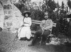 Emperor Nicholas II with Grand duchess Tatiana. Livadia, 1912