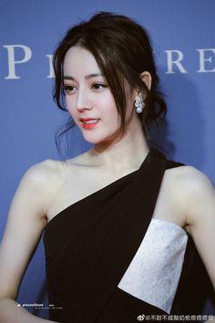 Kung Jin, Women In China, Cute Young Girl, Cute Girl Poses, I Love Girls, Juni, Celebs, Celebrities, Beautiful Asian Women
