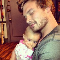 Derek Theler from baby daddy... Why the heck can't Riley see he is the hottest adawble guy ever