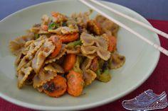 Bei Mecky Caro gab es punktetaugliche Erdnusssauce mit Nudeln. Schaut gut aus!  http://meckycaro.blogspot.de/2014/11/vegan-wednesday-nudeln-in-erdnussauce.html