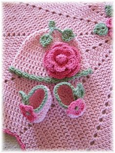 PDF Crochet Pattern Ring Around the Rosie Baby by BellaCrochet