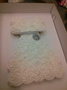 Bridal shower cupcake tray