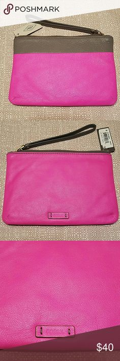 FOSSIL Keely Hot Pink Mouse Gray Wristlet,  NWT Gorgeous colorblock hot pink and mouse gray soft pebbled Genuine leather. Zipper closure, Wristlet strap. Signature logo embossed detail in back. Gray Lined interior. 4 interior back-wall credit card slots.  Measurements: Bottom Width: 7 in Depth: 1/2 in Height: 5 in Handle Drop: 6 in Brand new with tags, really pretty colors in person Fossil Bags Clutches & Wristlets