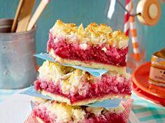 Unser beliebtes Rezept für Himbeer-Kokos-Kuchen vom Blech und mehr als 55.000 weitere kostenlose Rezepte auf LECKER.de.