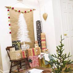 ideas for paper christmas tree garland xmas Christmas Tree Paper Craft, Merry Christmas, Christmas Tree Garland, Christmas Tree Painting, Christmas On A Budget, Christmas Tree Themes, Xmas Tree, Christmas Traditions, Burlap Christmas