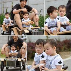 Daehan minguk manse with appa Cute Kids, Cute Babies, Song Il Gook, Triplet Babies, Superman Kids, Man Se, Song Triplets, Song Daehan, People Figures