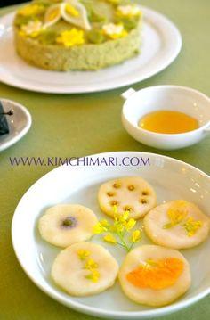 Korean sweet rice pancake made with fresh flowers