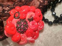 Piedra decorada regalo para estas Navidades, amor, detalle para ella en rojo pasión. de MarianCreaciones en Etsy https://www.etsy.com/es/listing/490146439/piedra-decorada-regalo-para-estas