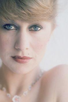 "hollywoodlady: "" Helen Mirren "" Helen Mirren, Divas, Dame Helen, Best Actress Award, Judi Dench, Cinema, Female Stars, Old Hollywood, Hollywood Stars"