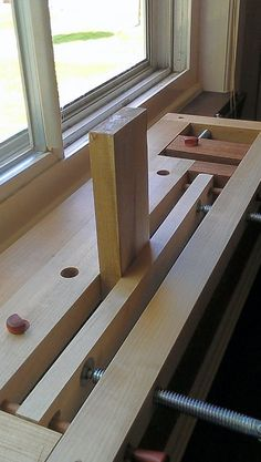 Milkman's Workbench. Another variation on the Moxon vise.
