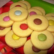Linecké s lentilkou Doughnut, Food And Drink, Peach, Candy, Cookies, Baking, Desserts, Recipes, Czech Republic