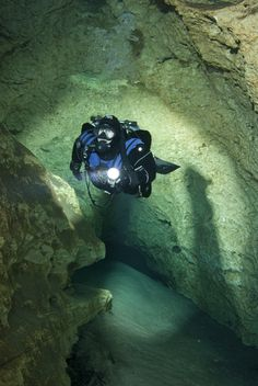 Cave diving - Peacock Cave, Luraville Florida