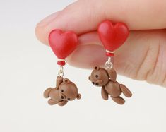 Teddy Bear Earrings Teddy heart Brown Bear Miniature stud earrings Teddy bear Jewelry bear pin earring Gift teddy valentines days heart red - b big - Photo Cute Polymer Clay, Polymer Clay Animals, Cute Clay, Fimo Clay, Polymer Clay Charms, Polymer Clay Projects, Polymer Clay Creations, Polymer Clay Earrings, Clay Crafts