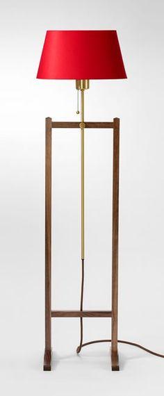Floor Lamp 2548 - Walnut, Josef Frank | Svenskt Tenn