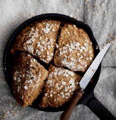 Pikainen kauraleipä   Leivonta   Soppa365 Banana Bread, Baking, Eat, Desserts, Breads, Food, Cakes, Recipes, Tailgate Desserts