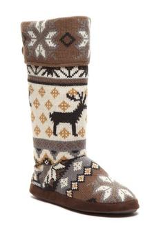 Knit Pattern Button Cuff Boot