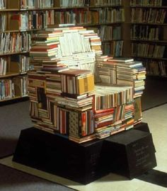 The Portrait Chair at Freeman Centennial School is made from classic and popular books. An interior light projects through Plexiglas sheets sandwiched between the books. The chair is cut to expose a variety of print surfaces! Cheap Books, Cool Books, Home Design, Diy Recycle, Recycling, Book Furniture, Paper Furniture, Furniture Stores, Furniture Projects