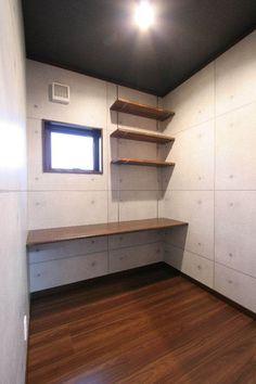 納戸 コンクリート打ちっぱなし Sweet Home, Stairs, Pentagon, The Originals, Simple, Interior, Closet, House, Bedroom